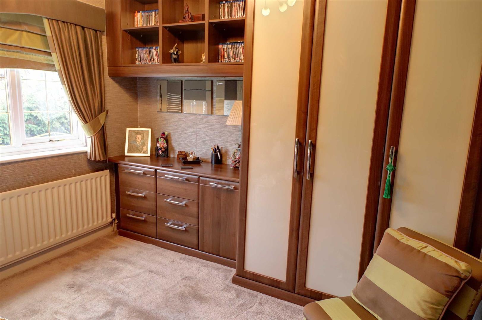 3 Bedroom Detached House For Sale - Image 14